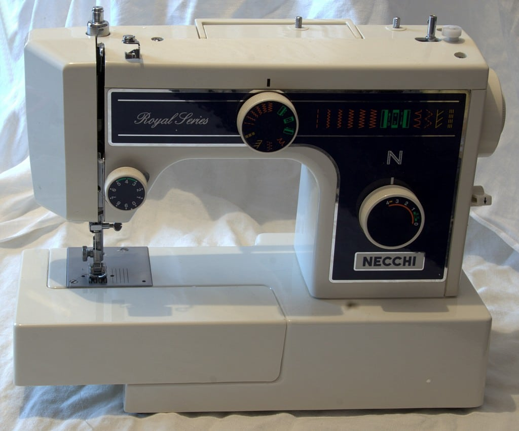 What-Is-Heavy-Duty-Sewing-Machine-1